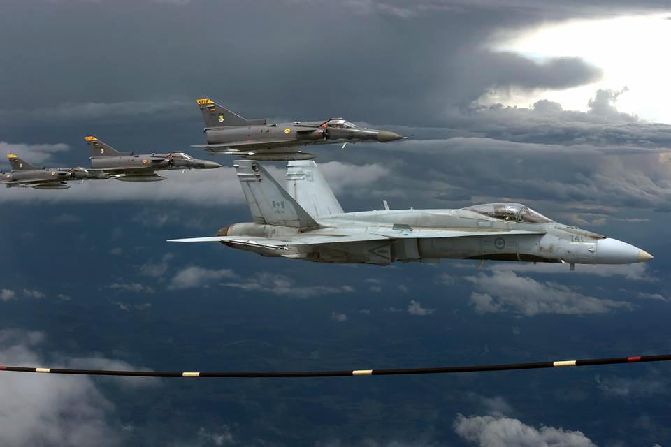 Por medio del Acuerdo de sobrevuelo y/o aterrizaje de aeronaves, las Fuerzaas Aéreas de América tendrán garantías de operación en todos los espacios aéreos