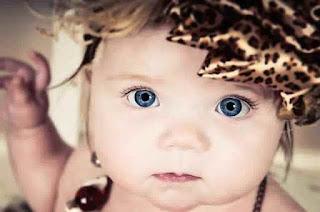 Anak Bayi Bermata Cantik