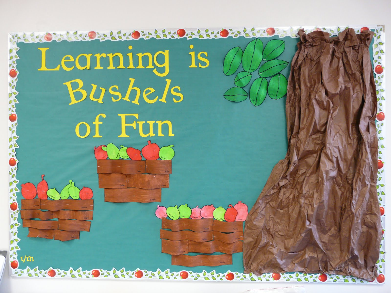 Bulletin board ideas half day fours fall 2011 for Fall bulletin board ideas