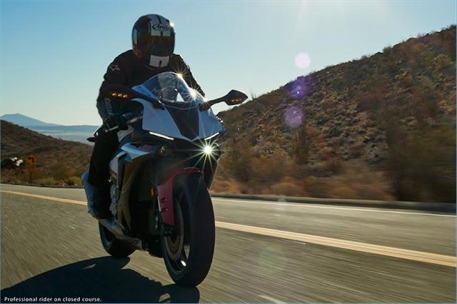 Ini dia versi termurah dari Yamaha YZF R1 2016 yang diberi nama YZF R1-S . .