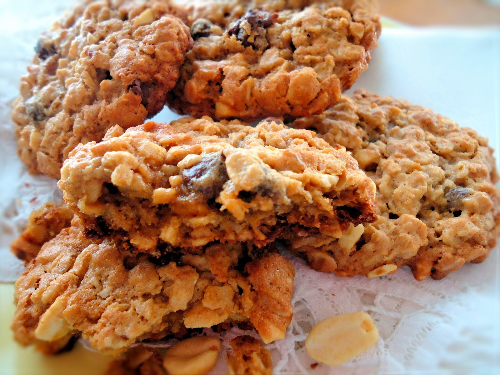 ... Eats: Gluten Free Peanut Butter Oatmeal Cookies with Chocolate Chips