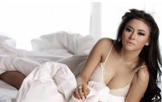 Inilah Foto-foto Vitalia Sesha, Model Cantik Dan Seksi Yang Dipanggil KPK