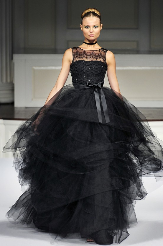 Byelisabethnl runway oscar de la renta haute couture for La couture clothing