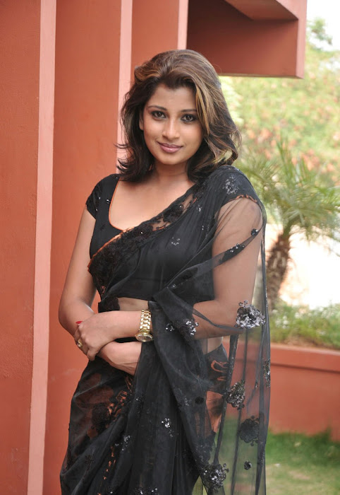nadeesha hemamali transparent saree , nadeesha spicy hot images