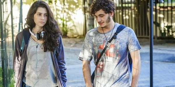 Olivia Torres e Guilherme Prates em CONFISSÕES DE ADOLESCENTE