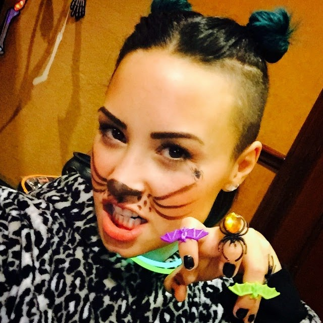 Demi Lovato es una gata fiera