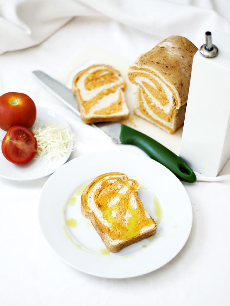 receta de pan de molde de tomate y queso