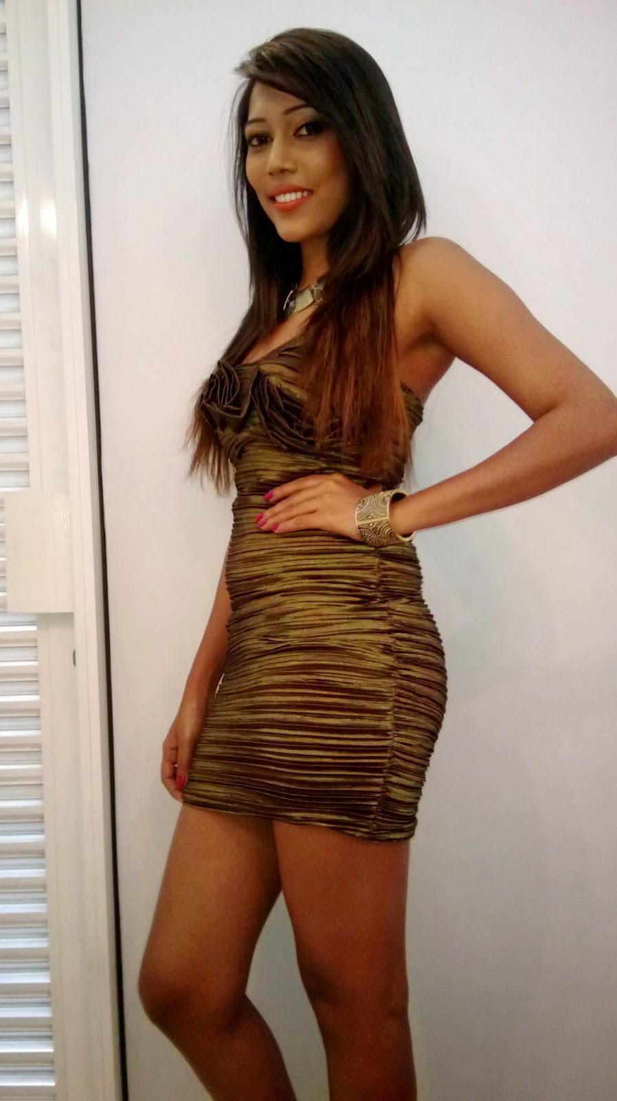 Thilini de silva short skirt