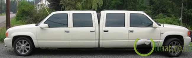 Dual-nosed Escalade Limousine