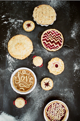 8 unique and stylish pie crust toppers