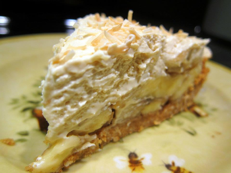 Dragon's Kitchen: Banana Coconut Rum Cream Pie