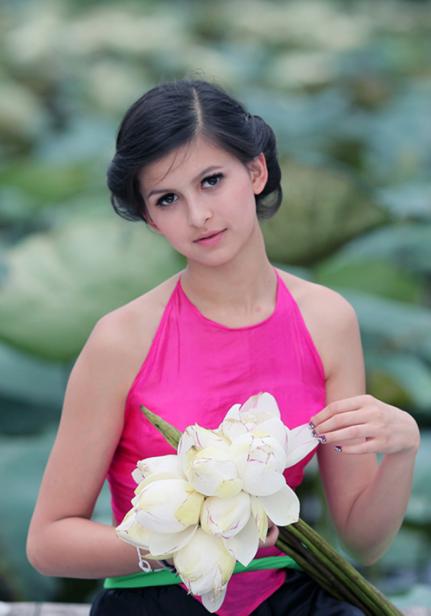 Girl xinh với áo yếm xưa 8