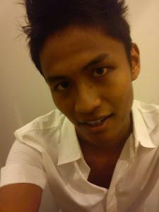 He is my bubu raww ♥ kiteww sayang awakk Okies biee :)
