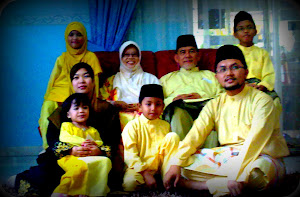 Abah..mama..n along's family