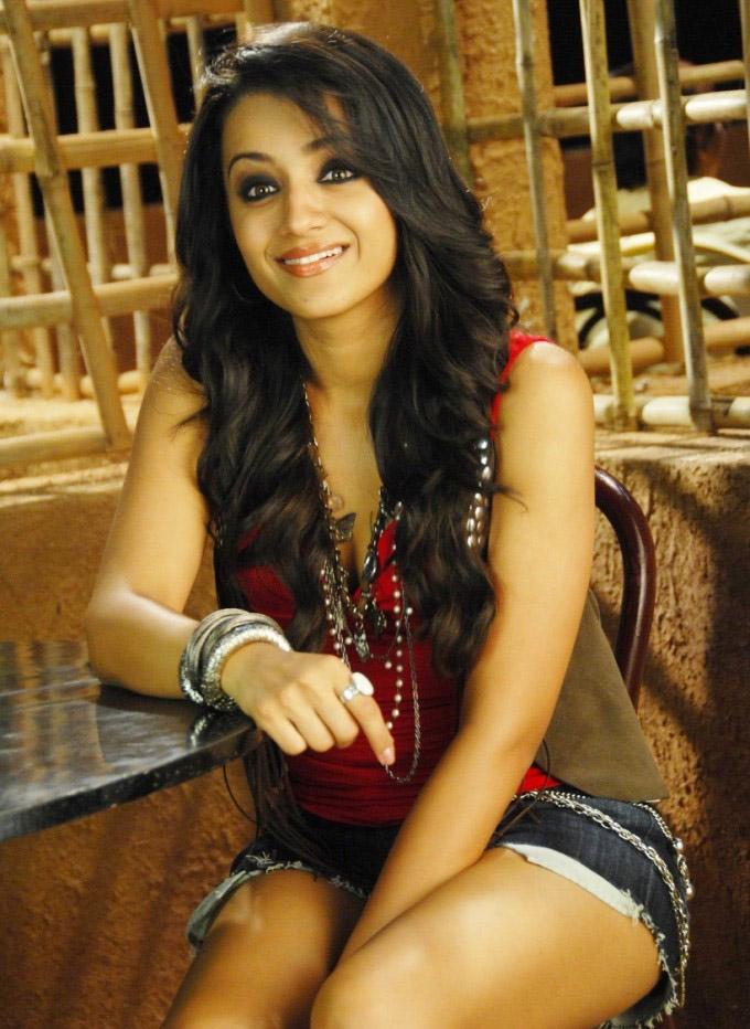 Trisha hot photo gallery from Teen maar movie