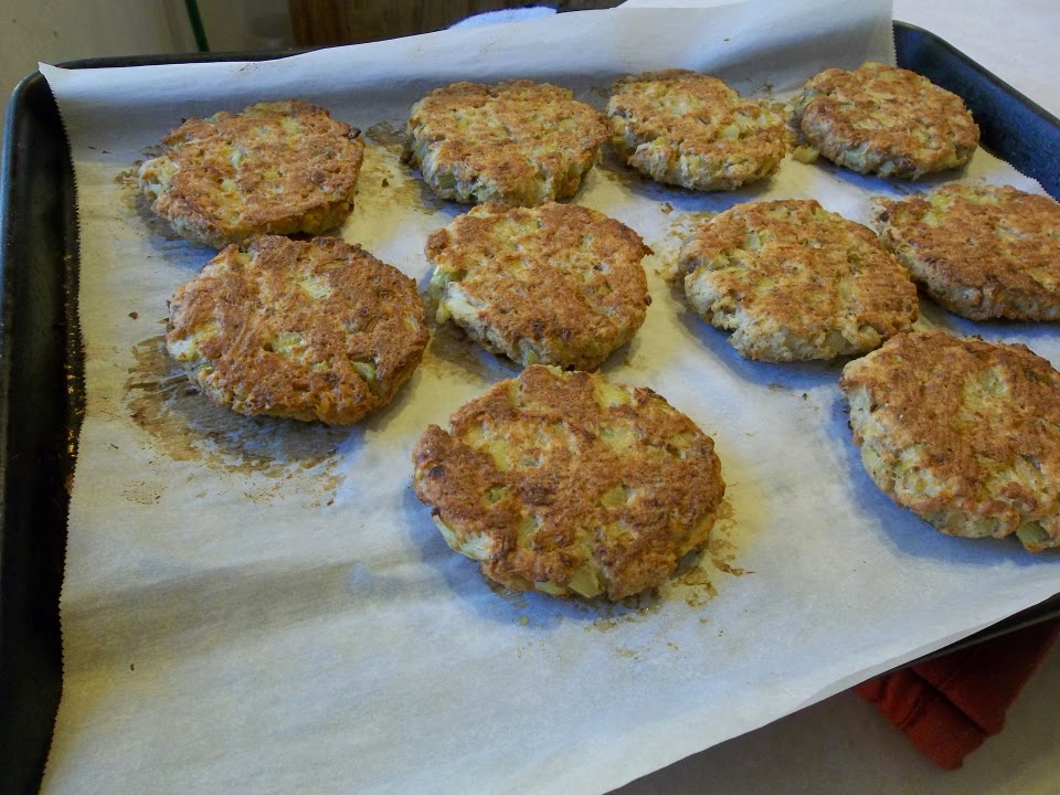 how to make tuna fish cakes with bread crumbs