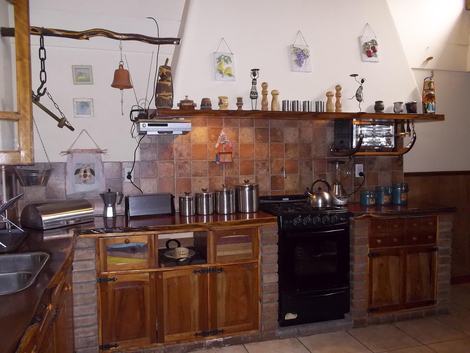 Remodelaci n y mantenimiento de casas y negocios cocina for Muebles de cocina de ladrillos imagenes
