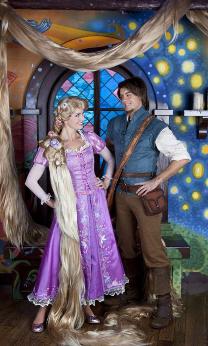 Disney Couple Princess Rapunzel And Prince Flynn Wallpaper