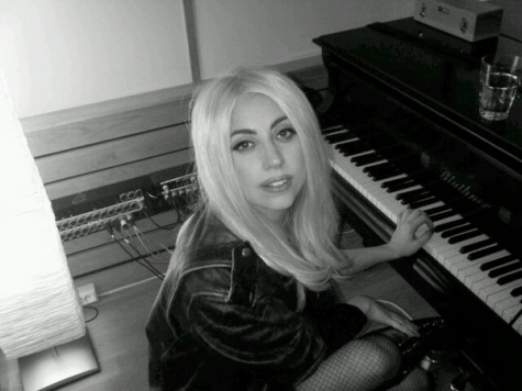 lady gaga without makeup and. New Lady Gaga - Born This Way