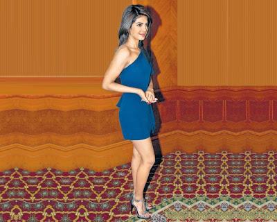 Priyanka Chopra Pretty Wallpaper in Don 2