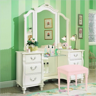 Bedroom Vanities with light