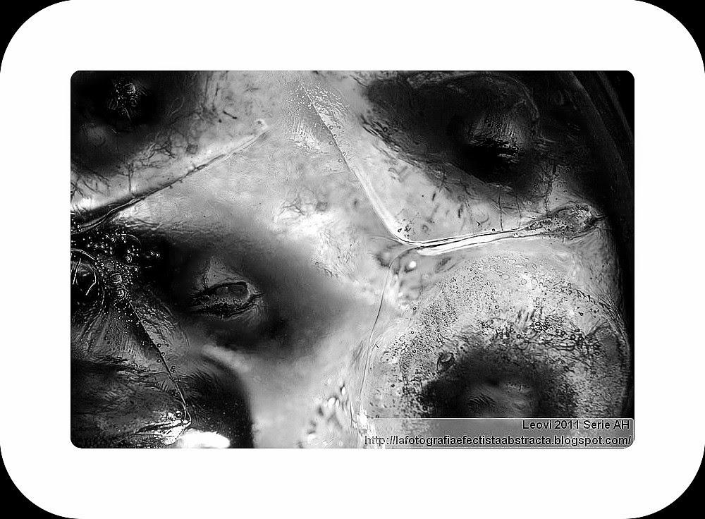 Foto Abstracta 3299  Mirando desde el otro lado - Looking from the other side