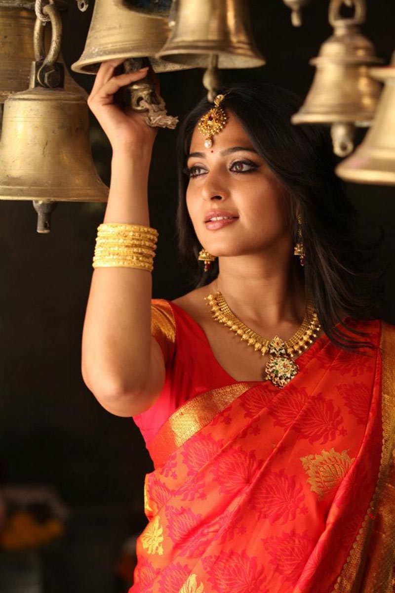 Anushka Shetty Latest Saree Still Anushka Shetty Saree