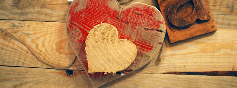 Craft Review:  Easy Handmade Valentine's Decorations (by Coletta Teske)