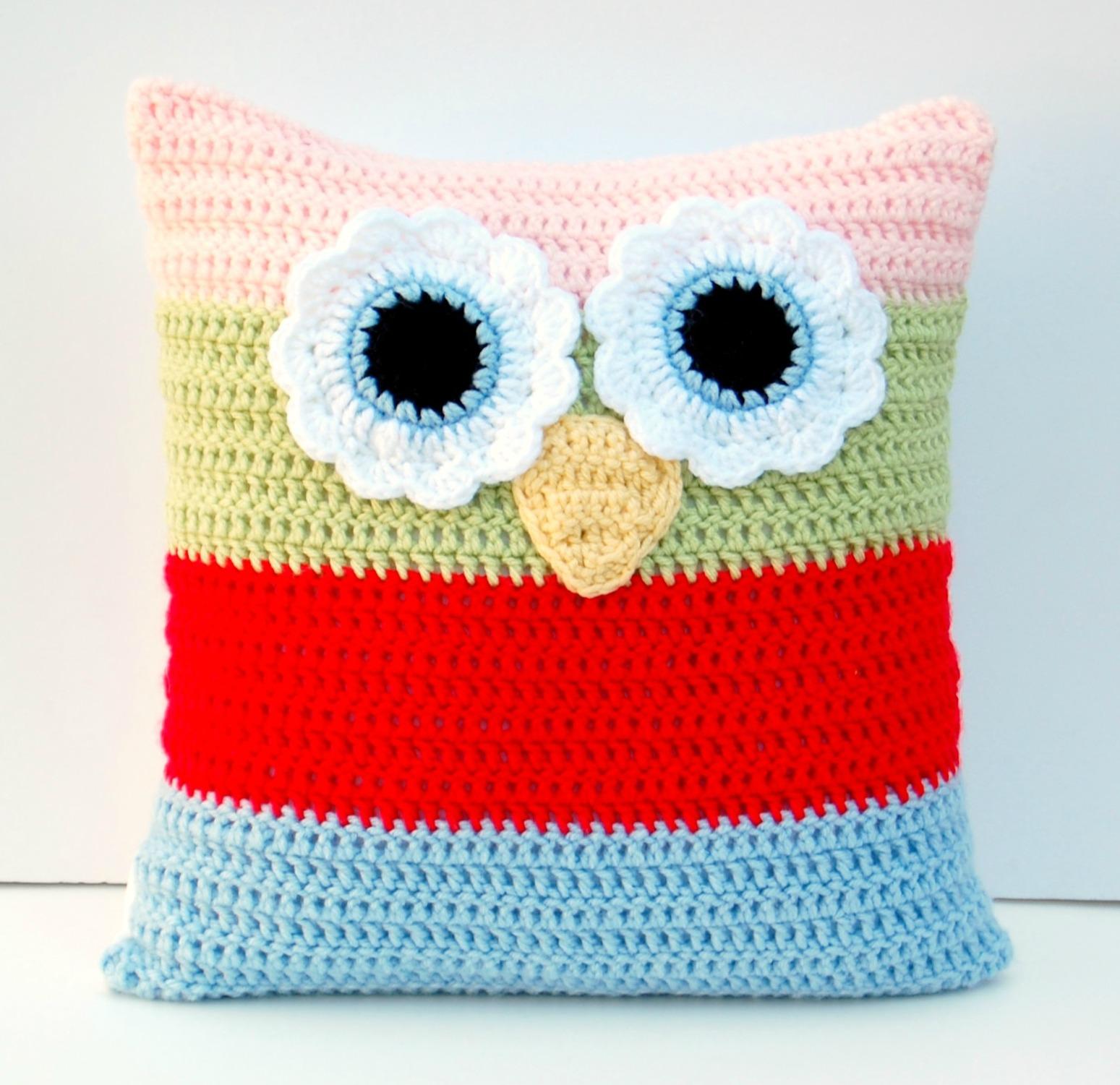How To Make Cute Owl Pillows : hopscotch lane: Matching Crochet Blanket and Owl Pillow