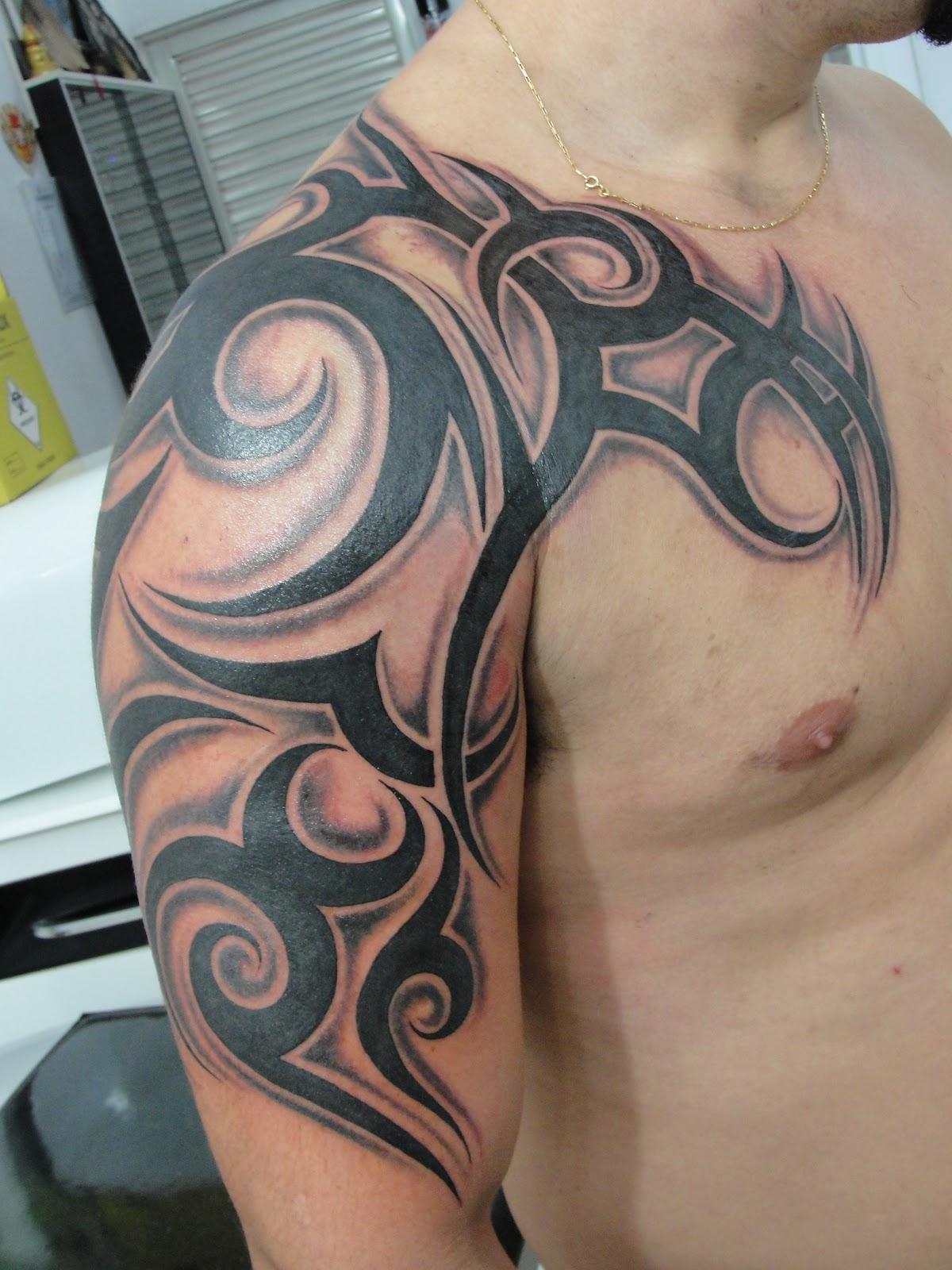 Татуировка на шею и до плеча фото
