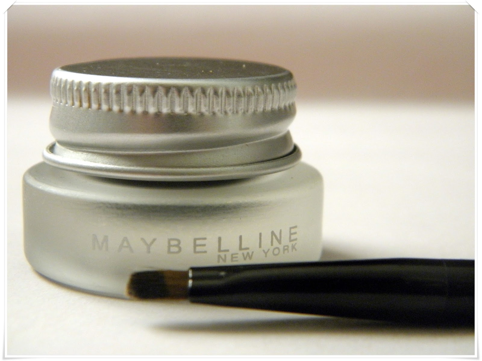 Maybelline EyeStudio Lasting Gel Liner