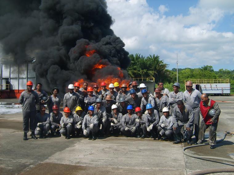 Treinamento Pratico Base Naval de Aratu - Tem que ter Sangue no Olho - Equipe Anjos Salvadores .