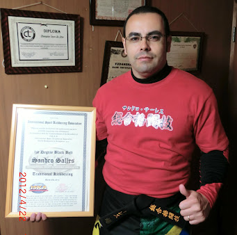 Faixa Preta primeiro grau de Kickboxing