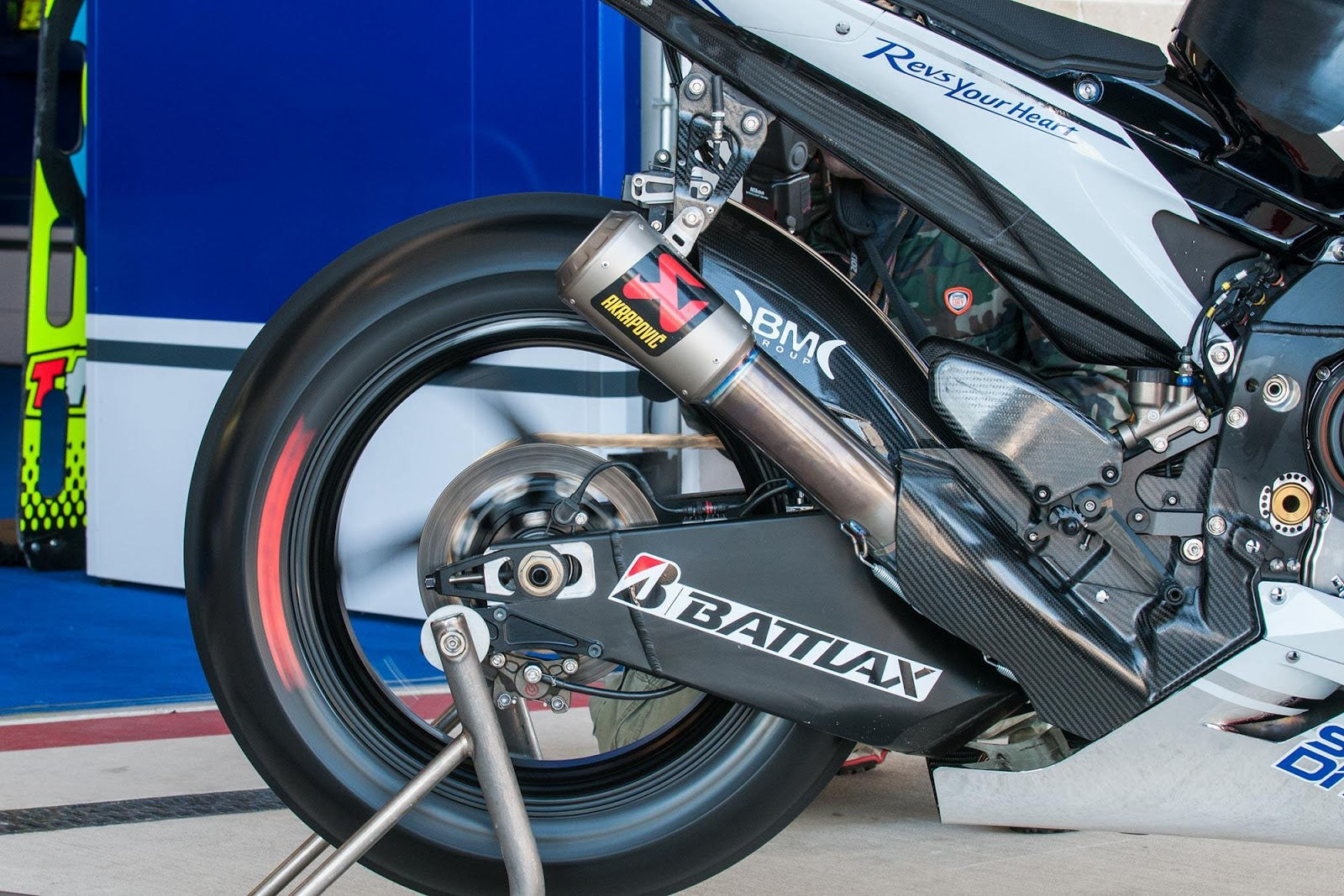 Racing Caf    Yamaha YZR M1 2013   Details
