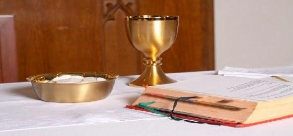 Resultado de imagem para O que pode ser apresentado no ofertório da missa?