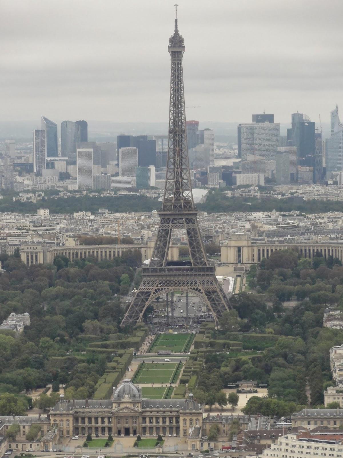 Eiffel tower - Escalier de la tour eiffel ...