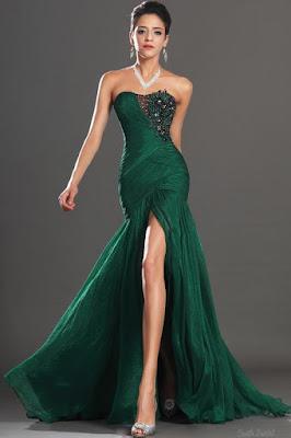 vestido de formatura com fenda na frente