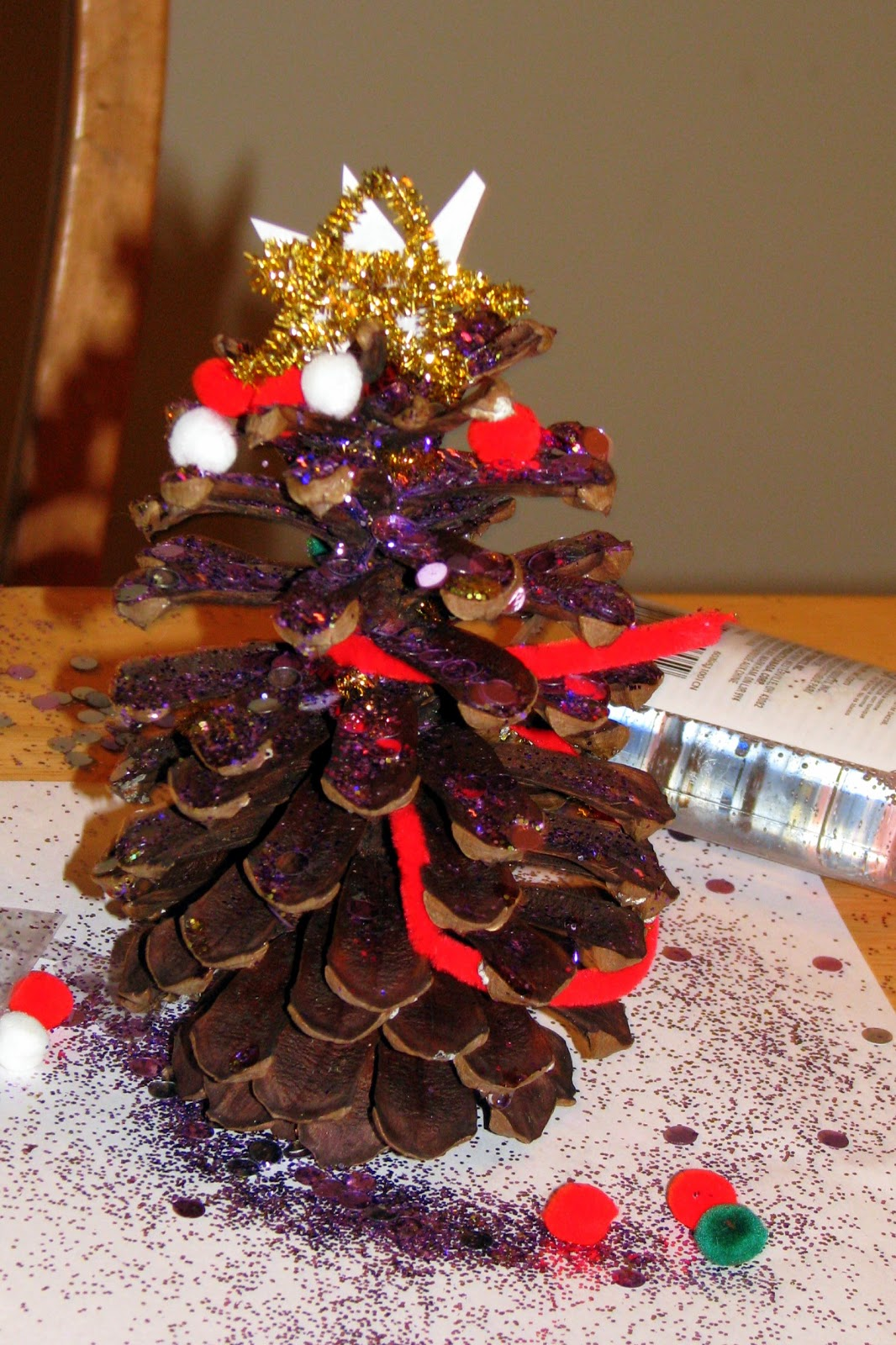 Adventures in lululand crafty kids pine cone christmas trees for Pine cone xmas tree