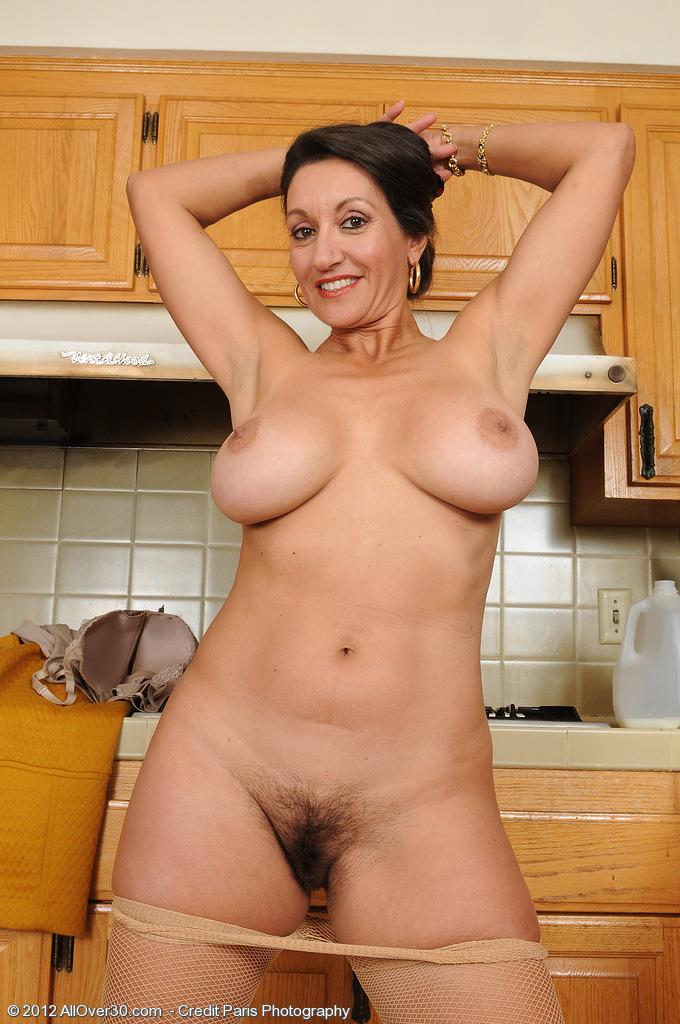 фото голіх домохозяек