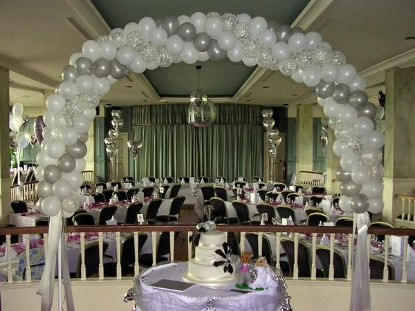 Decoraci n de salon para boda con globos imagui for Arreglos de salon con globos