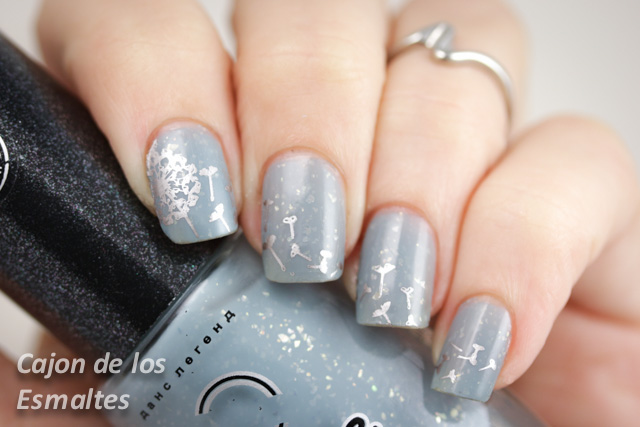 review MoYou London stamping plates - Pro collection 04 - dandelion