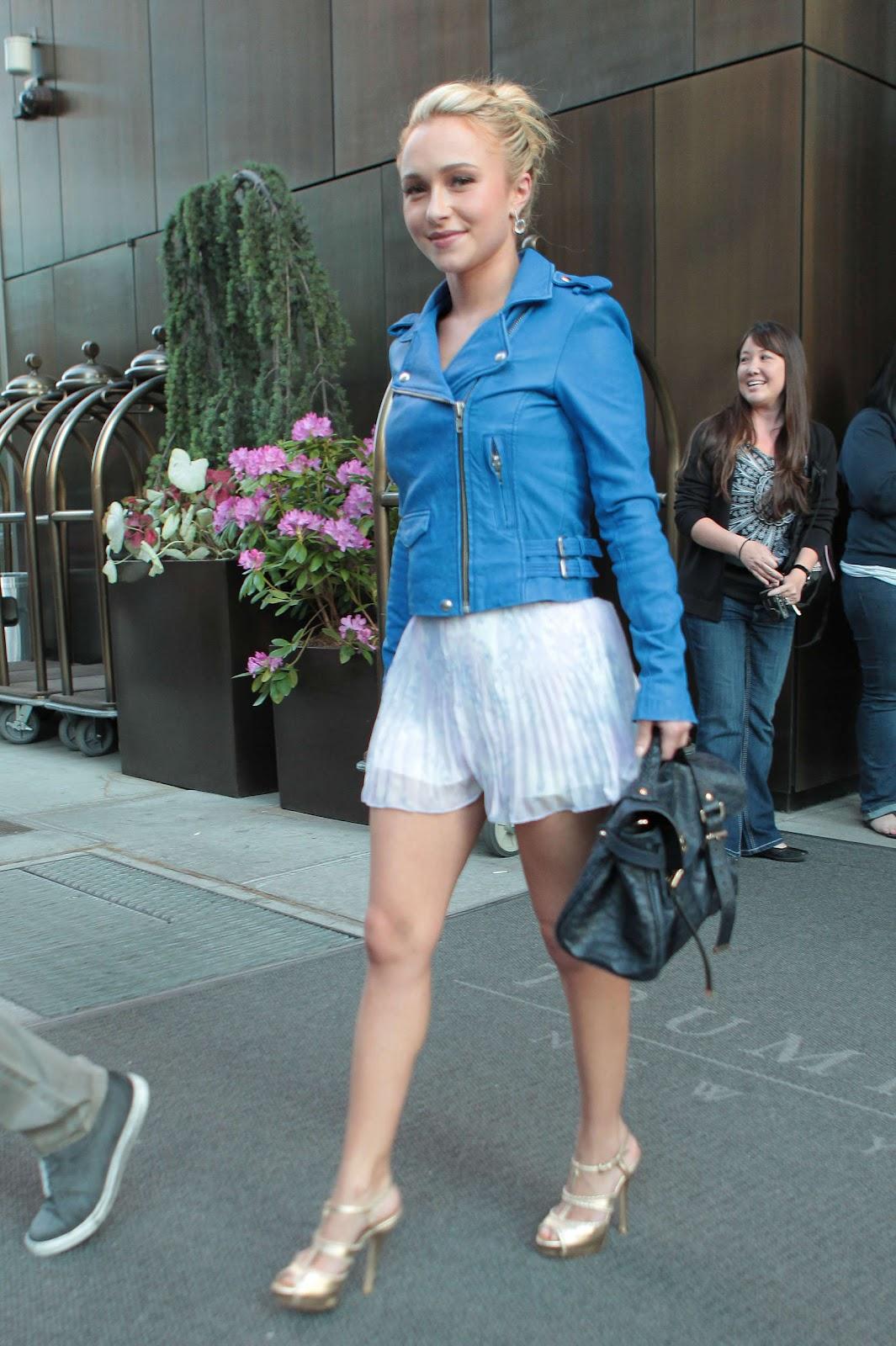 http://3.bp.blogspot.com/-70OOUrdACDU/T7jrZ3-mFEI/AAAAAAAAF1k/bQZldsFa-iI/s1600/Hayden+Panettiere-leaving-her-New-York-hotel-03.jpg