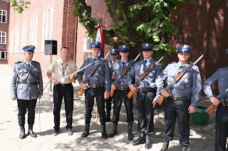 Lt. Dan Norris with members of the Polish Police Academy in Slupsku.