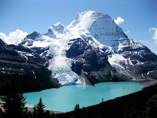 Canada Mountain and Lake Beautiful Landscape Wallpaper