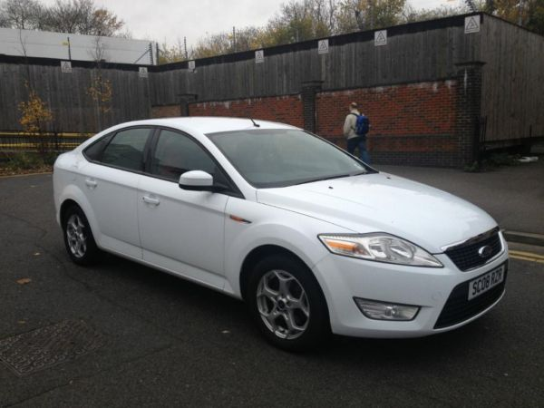 autovalley ford mondeo zetec 2008 2 0 tdci diesel hatchback manual white autovalley. Black Bedroom Furniture Sets. Home Design Ideas
