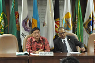 Ahmad Farhan Hamid didampingi Bambang Soeroso