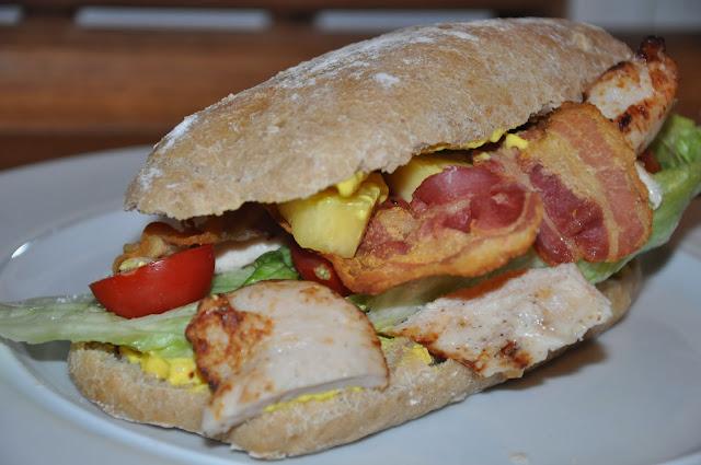 opskrift. Sandwich opskrifter Sandwich m.bacon kylling og ananas