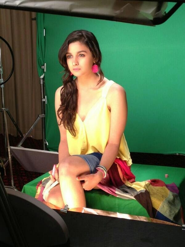 alia-bhatt-on-the-sets-of-maybelline-indias-photoshoot