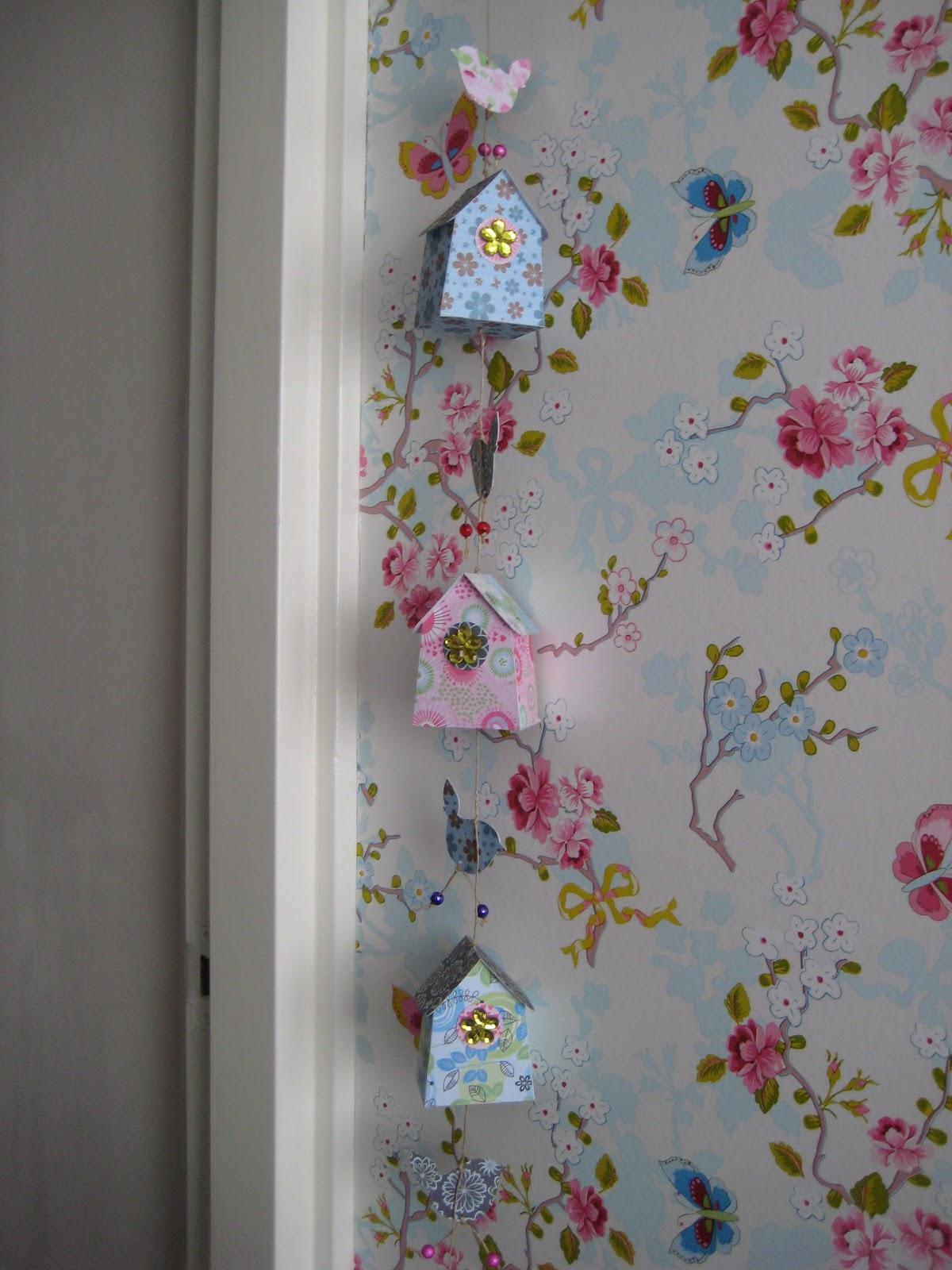 Kinderkamer   vogelhuisjes en pip behang Door Marieketb