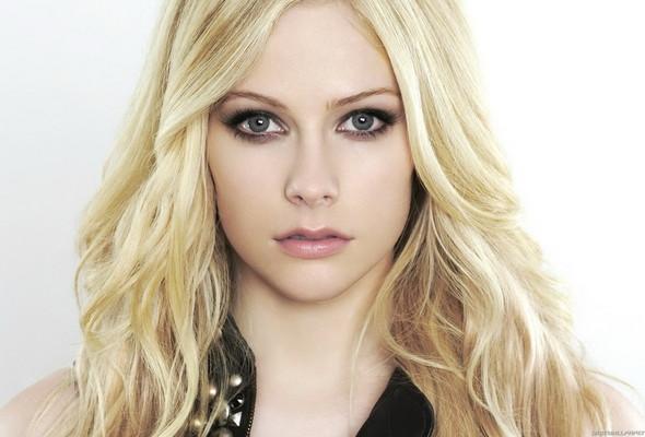 Avril Lavigne avril lavigne face 39Avril Lavigne Ramon born
